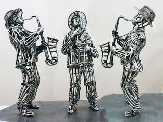 Миниатюрная скульптура «Саксафонист»